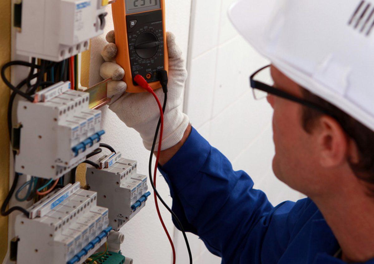 ingenieria electrica en quito